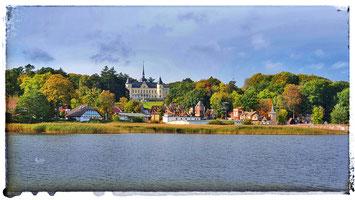 Immer einen Besuch wert sind die Naturbühne und das Schloss Ralswiek
