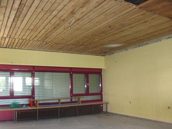 Die Turnhalle zu Beginn der Bauarbeiten