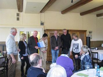 Foto von links: Erich Schoone, Kerstin Münkenwarf, Ludwig Jürgens, Christine Will, Hartmut Tammen-Henke, Stefan Marxfeld und Sabina Ansmann