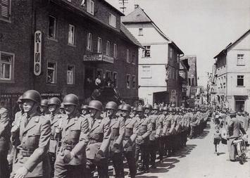 Einmarsch der Panzergrenadiere in Walldürn