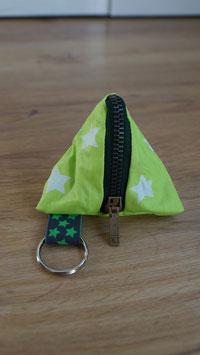Pyramidentäschli grün Sterne