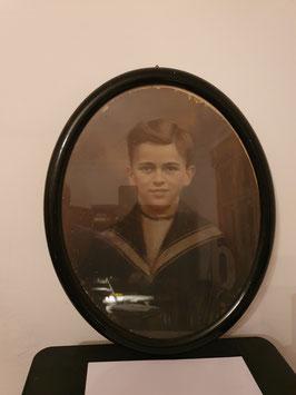 antikes altes Portrait Junge im Matrosenhemd im Rahmen