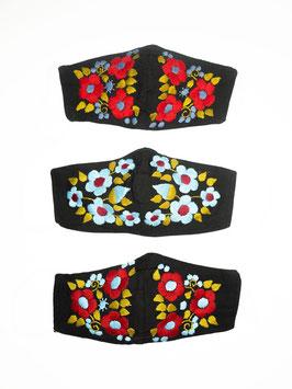 NEU Farbenfroher Mundschutz / Maske mit Blumenstickerei (schwarz-blau-rot)