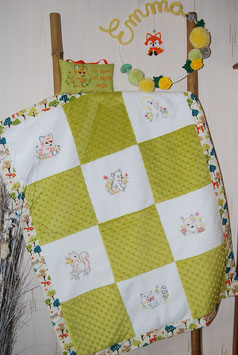 Couverture minky animaux vert anis