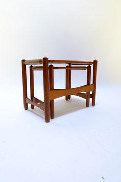Vintage bijzet tafeltjes hout  |