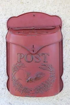 Postkasten Metall dunkel rot