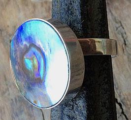 Silberring mit rundem Stein