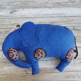 Coussin éléphant en coton  bleu et coquillages marron et blanc