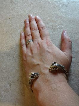 Bracelet bouc