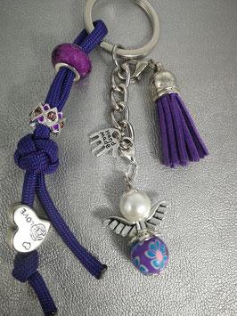 Schlüsselanhänger aus Paracord lila