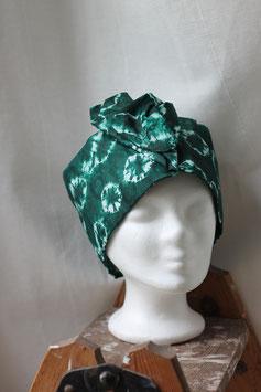Haarband aus grünem Batikstoff