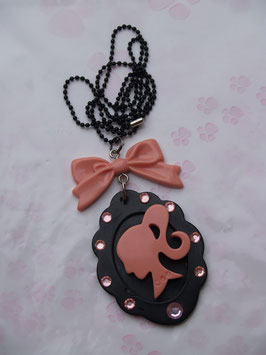 Collier Pink and Black Lady Face