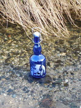 Bügelflasche 0,75 ltr. mit Hirsch und Reh