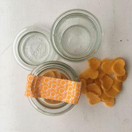 Handgemachte kleine Seifen im Weckglas mit Orangenduft