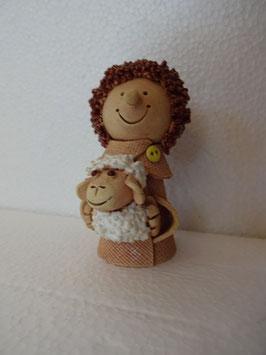 Bambino con pecorella H 9 cm., diametro 4 cm. (circa)
