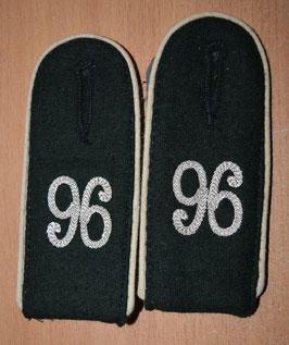 Artikelnummer: 01834   Schulterklappen Infanterie Regiment 96