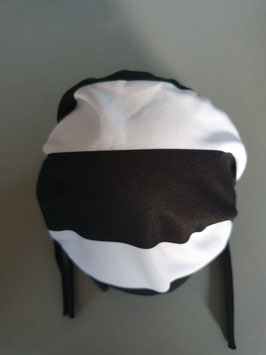 Schwarz weiss gestreift Maske