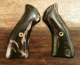 Griffschalen aus Büffelhorn