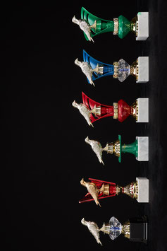 # 24 Taubenpokale mit Glas-Diamant farbig