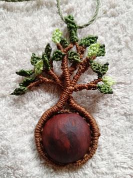 "Makramee-Kette ""Baum des Lebens"" Avocadokern"