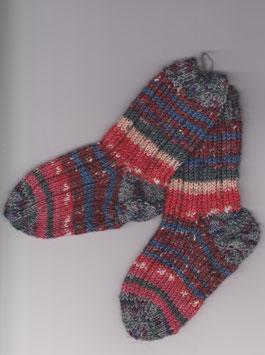 """Handgestrickte Kinder-Socken """"Pumuckl"""""""