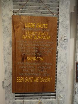 """Großes Schild """"Liebe Gäste"""""""