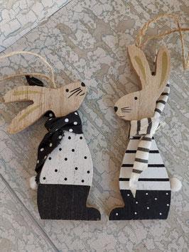 Holz Hasen zum Aufhängen mit Punkten oder Streifen