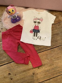 Wit shirt van Benneton en roze legging van Zara Baby maat 80
