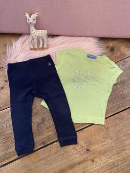 Groen shirt van River Woods en donkerblauwe legging van Petit Bateau maat 68