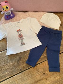Longsleeve en legging van Noukie's maat 62 en wit mutsje van Bambino