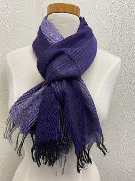 Sjaal in verschillende kleuren paars met franjes