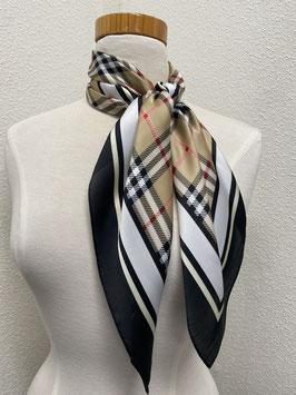 Nieuw: Vierkante sjaal in Burberry look