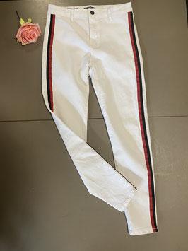 Witte broek met randen van Bershka maat 40