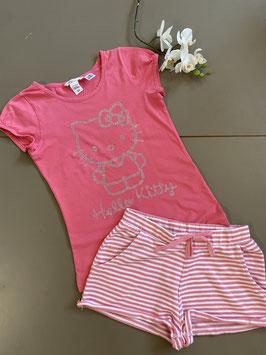 Shirt van H&M met korte broek in maat 134/140