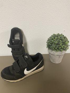 Zwarte sportschoenen van Nike voor jongens in maat 32