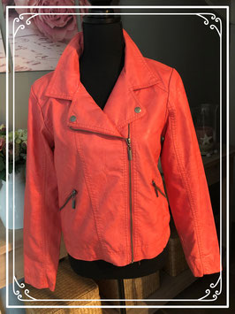 Stoer lederlookjasje in zalm-oranje van C&A-maat 170