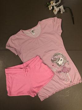 Lang pyjama shirt van C&A met kort roze broekje in maat 146/152