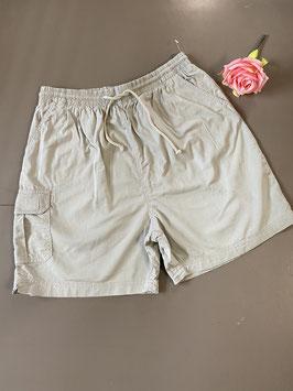 Nieuw! Korte grijze broek maat 44