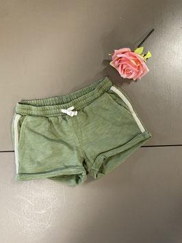 Korte groene broek van Sissy-Boy maat 134/140