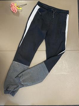 Zwart met grijze trainingsbroek van Primark maat 170