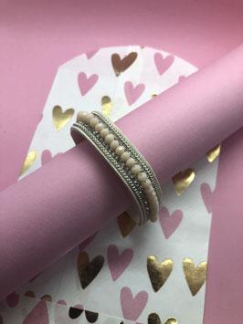 Nieuw: leather-look armband met glitters