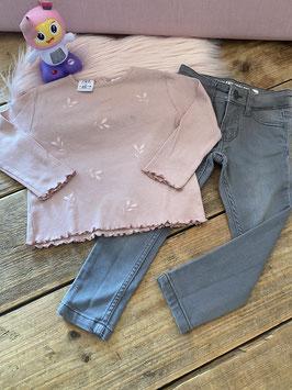 Longsleeve van Zara en grijze spijkerbroek van Hema maat 92