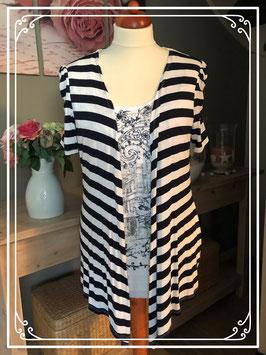 Wit-donkerblauw gestreept shirt van miss etam-maat 44