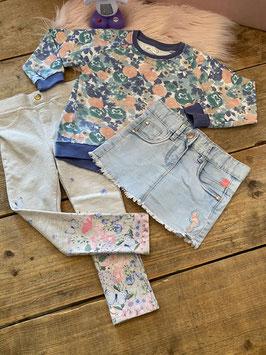 Trui van Pepco met korte broek van Babyface en legging met bloemen in maat 92