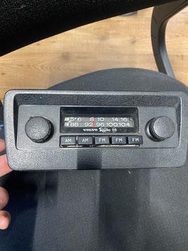 Vintage volvo am/fm radio