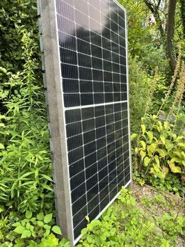 Photovoltaik Zaun - Vormontiert - aus 100 % recyceltem Material