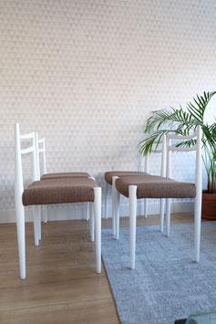 Vintage witte stoelen  |  19.978.M