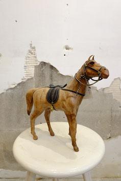 Oud leren paard  |  18.696.O