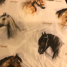 Schöner Pferdestoff für Bettwäsche, Vorhänge, Kissen usw.