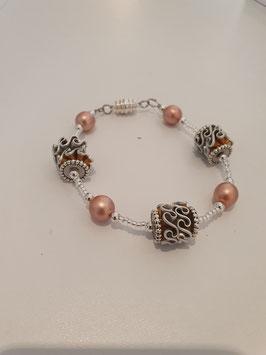 Armband mit Glaswachsperlen und rocailles